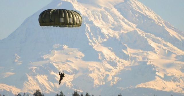 landing-parachute